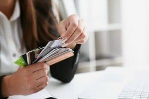 お金は最小限に。シンプルライフのクレジットカード活用術