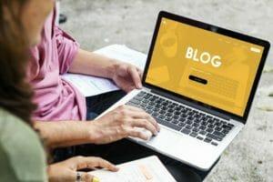 【ミニマリスト】シンプルライフをブログで綴る!アメブロはおすすめ?メリットデメリット