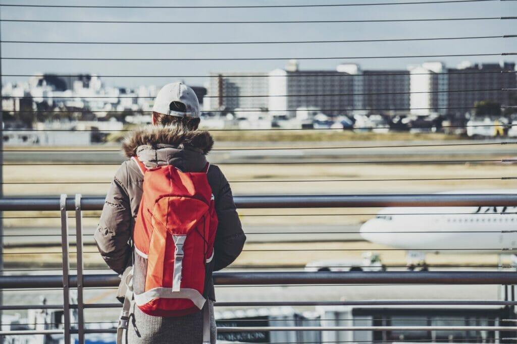 女性ミニマリスト必見。海外旅行でバックパックを背負って旅する際のポイント