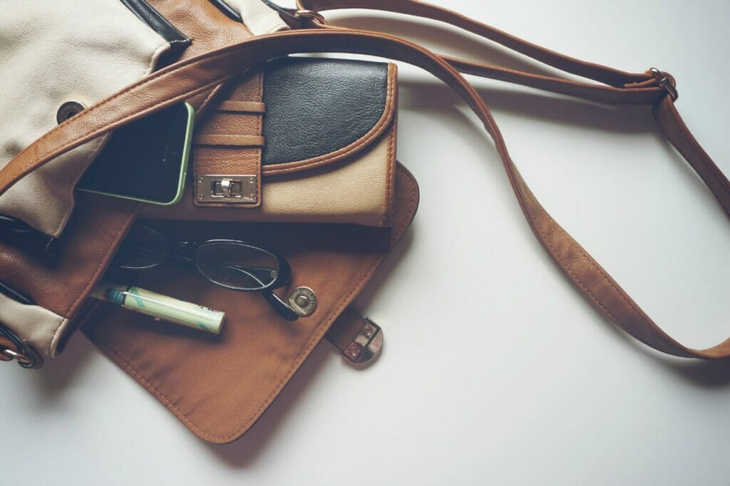 ミニマリストの選ぶバッグは長持ちできるものを選んで